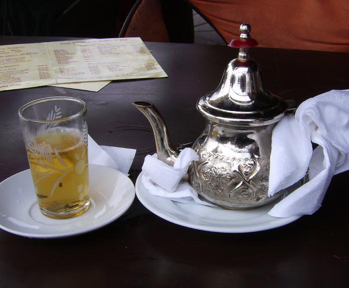 """Minz-Tee """"Thé à la Menthe"""" am Djeema el Fna"""