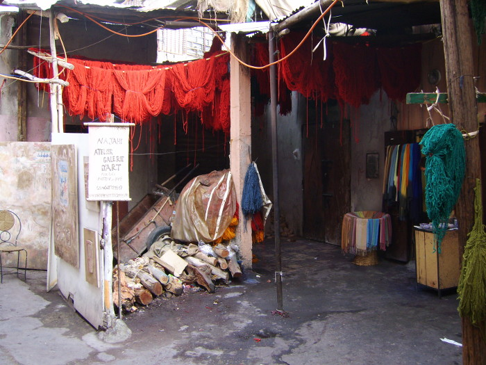 Färberwerkstatt in den Souks von Marrakesch