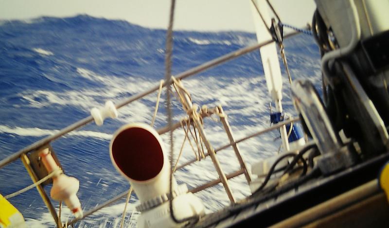 Atlantik-Segeln bei rauher See