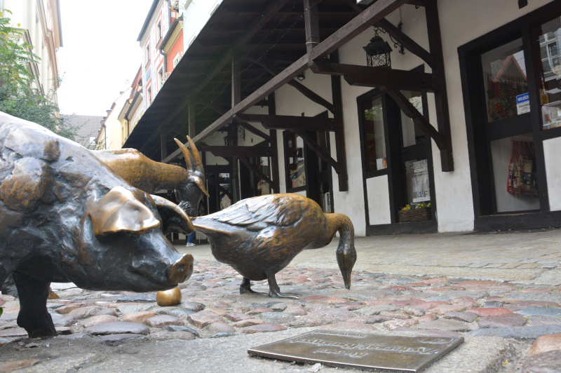 Wroclaw Dwarfs / Breslau - slaughter lane / Schlachtgasse jatki with artist studios