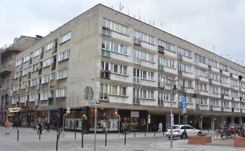 Wroclaw - Breslau Lückenbau im sozialistischen Plattenbau - Stil