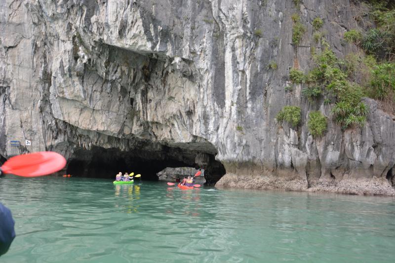 Ha Long Kayaking