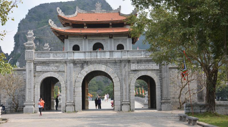 Tor zum Welterbe Hoa Lu - Vietnam