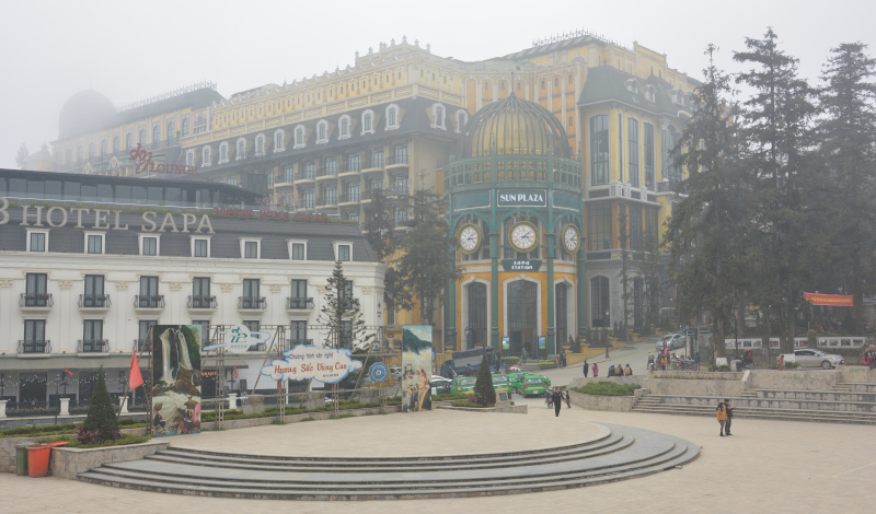 Vietnam - Sa Pa Plaza