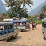 Traveller beim Beladen einer Rikscha