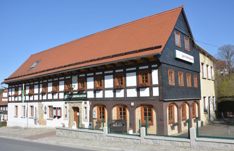 Oberlausitzer Bergland  Gasthaus Lindengarten - ein Umgebindehaus