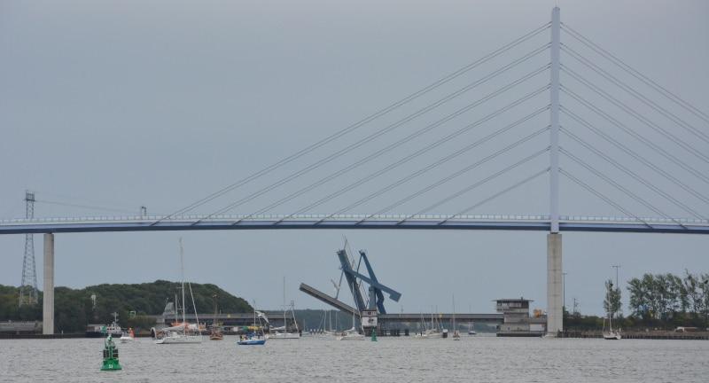 Urlaub Rügen : Ostseeradweg Rügen - Brücke