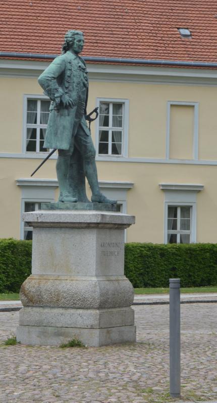 Rheinsberg Kronprinzen - Denkmal