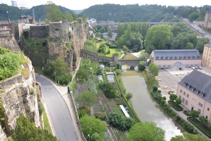 Luxemburg City Bock-Berg mit Festungs - Ruinen und Alzette - Tal
