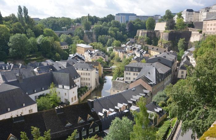 Luxemburg City - Blick in den Stadteil Grund im Alzette Tal