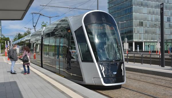 Luxemburg City - Tram von Mudam zum Hauptbahnhof