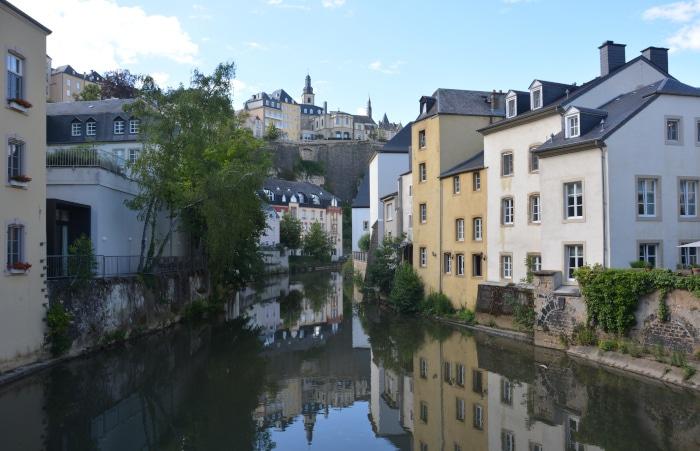 Luxemburg City -Stadteil  Grund im Tal der Alzette