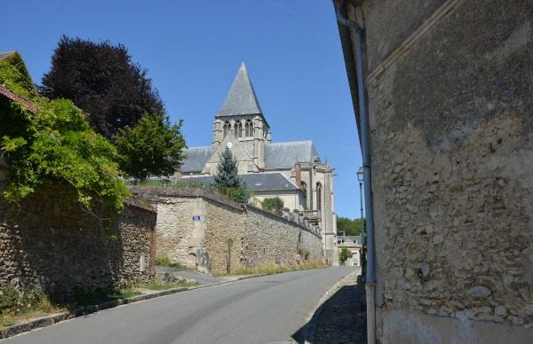Radtour Frankreich Reims - Mont-Saint-Michel: Eglise Agnetz