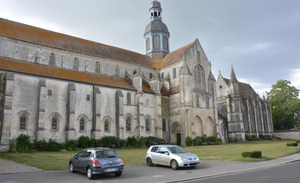 Radtour Frankreich Reims - Mont-Saint-Michel: Abbaye Saint Germer de Fly