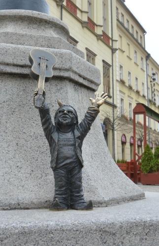 Wroclaw: Dwarf guitar player